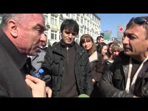 """2013-03-04 Марешки нарича протестиращ """"боклук"""" 2 пъти"""