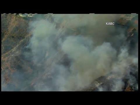 Brush fire triggers mandatory evacuations in Burbank