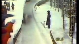 Repeat youtube video Sarajevo 1984 2man Bobsleigh Tom De La Hunty, Wolfgang Hoppe