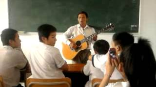 Thầy Nhàn hát trong lớp 10a5 2011-2012