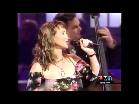 Pam Tillis - Don't Tell Me What To Do (Live 2002)