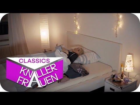 Heiße Bettszene [subtitled] | Knallerfrauen mit Martina Hill