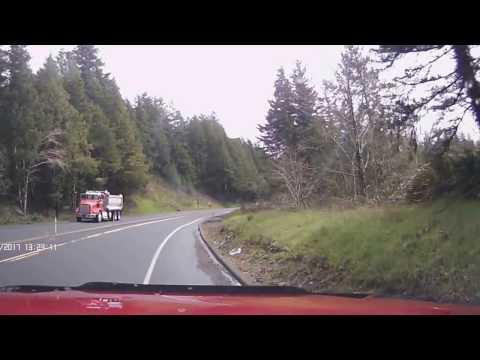 2017 - Honda CRV Rollover crash - Hwy 20 - Oregon - Dashcam