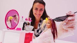 Eğlenceli oyunlar - Barbie Sevcan'nın kuaföründe saçını BOYATIYOR!