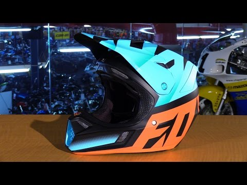 Fox Racing 2016 V3 Shiv Motorcycle Helmet Review