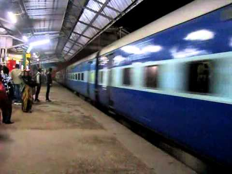 12:45AM: Mathura - Allahabad Express