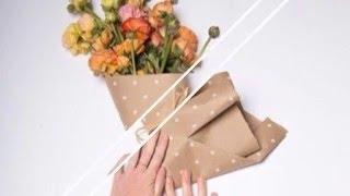 Как оформить букет цветов и сохранить в нем влагу.
