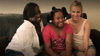 Kristen Bell helps PATH move a family into their new home