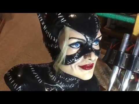 catwomen bust (batman returns)