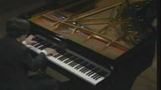 Murray Perahia plays Rachmaninoff Etude Tableaux Op.39 No.9 in D Major