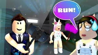 Roblox: AS FERAS QUEREM ME PEGAR!! (Flee the Facility)