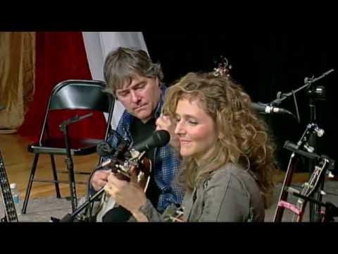WoodSongs 782: Bela Fleck And Abigail Washburn