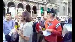 Marco Galli DJ di 105 Giuseppe Pizza Duomo Milano 500