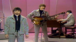 "The Animals ""We've Gotta Get Out Of This Place"" on The Ed Sullivan Show"
