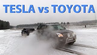 Tesla Model X destroying Toyota Land Cruiser tug of war