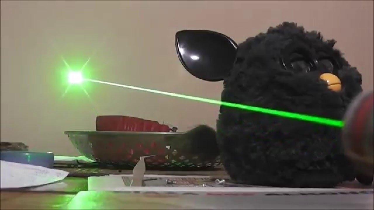 Зеленый лазер. Green Laser. Ночью светят в глаза зеленым лазером .