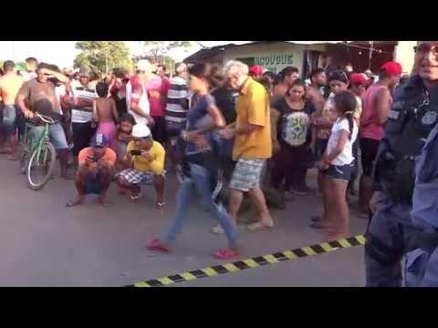 01 Acidente na Rua Tancredo Neves em Porto Grande-Ap 28-09-2014