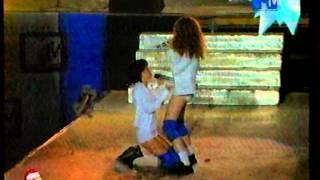 t.A.T.u. - Мальчик-гей (Без Крыши 2001)