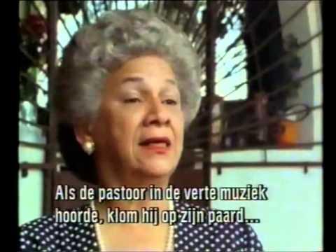 Nydia Ecury.