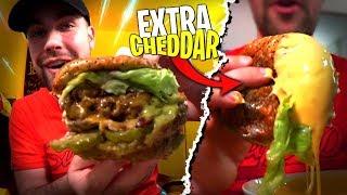 Énorme Burger EXTRA EXTRA Cheddar ! Une dernière fois chez Upper Burger...