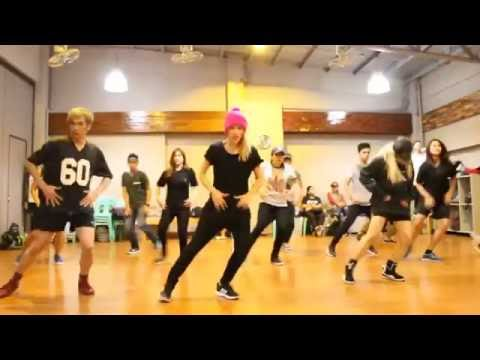 """The Weeknd's """"Can't Feel My Face"""" Choreography"""