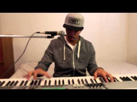 Jeffrey Rashad Plays Tyga's 'Rack City' On The Piano