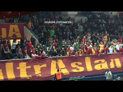 Galatasaray Fener Kadin Voleybol Maci Tezahurat Ve Olaylar