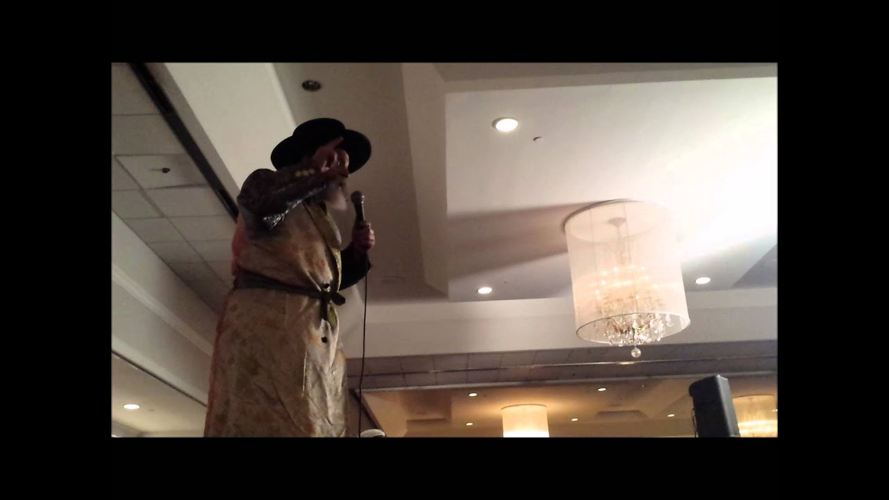 Chatzatzcha Rabbi performing at YL Hearts