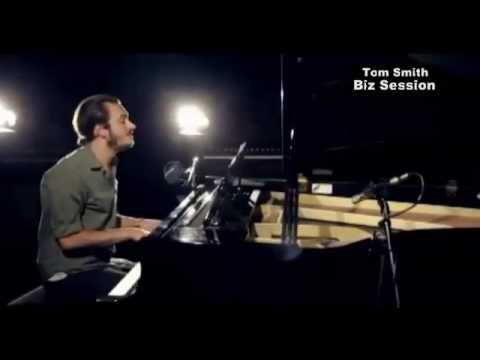 Tom Smith [Editors] - Dancing in the Dark (Bruce Springsteen cover)