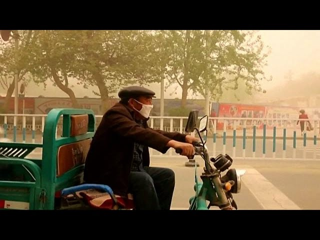 Sandstorm in southern Xinjiang
