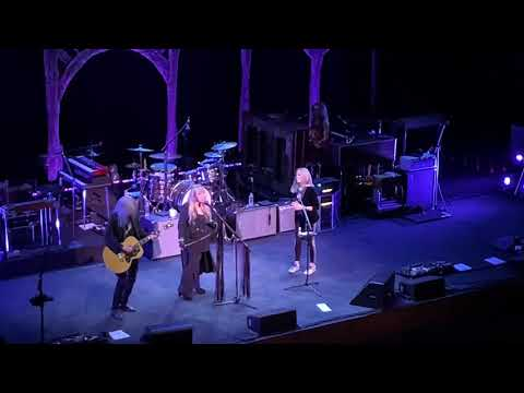 12/4/19 Stevie Nicks makes a guest appearance at the Sheryl Crow concert in Los Angeles, CA!