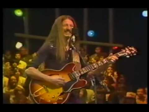 DOOBIE BROTHERS - DARK EYED CAJUN WOMAN(LIVE 1990) | Doovi