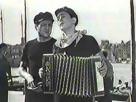 Tino Rossi - Loin des Guitares (du film Au Son Des Guitares)