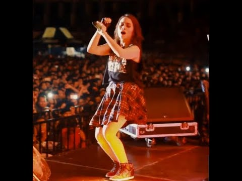 GOYANG MANTAP WITH MOMO GEISHA TERLALU MANIS REGGAE VERSION LIVE