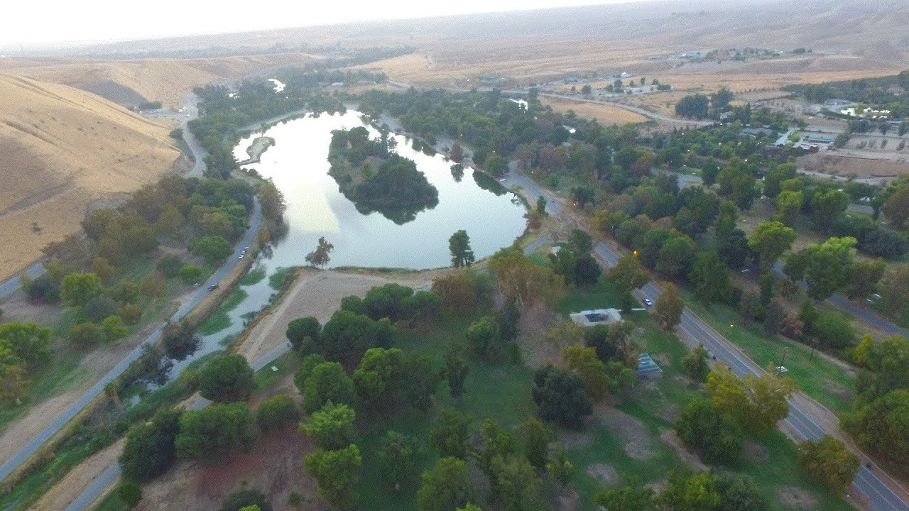 The Kern County Board of Supervisors will consider a $5 per day parking fee at Hart Park.