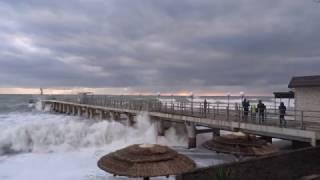 Шторм. Резко похолодало в Сочи t + 9°C, а море t + 11°C