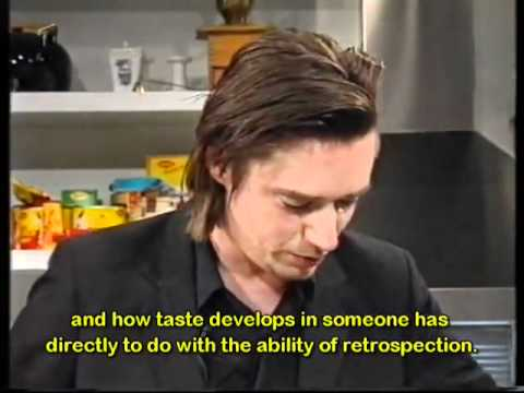 Blixa Bargeld is cooking risotto