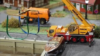 Mikromodellbau 1/87 - RC truck crane lifting boat