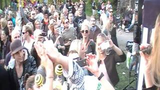 Planets Summer Circus - Darwin & Backwall feat Emelie Wallin