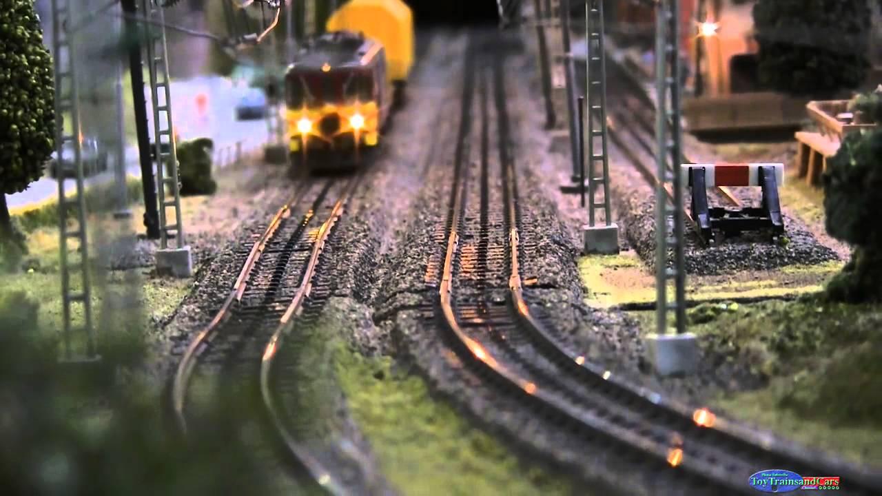 European HO Scale Model Train Track Sweeper - YouTube