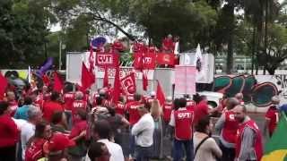 Lideranças sindicais e populares protestam em Goiânia por reforma política