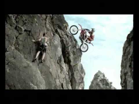 โฆษณากระทิงแดง_มอเตอร์ไซค์ Motorcycle