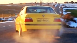BMW M3 Acceleration Exhaust Sound Fly By Revs Revving 3.2L E36