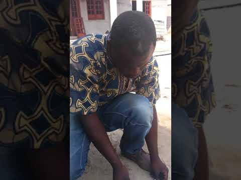 Sourcier Nganga chancel recherche de veine d'eau souterraine au Congo Brazzaville à 45kilometre
