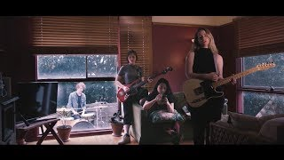 Moaning Lisa – Lily (Official Music Video)