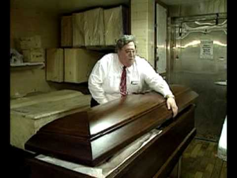 why i want to be a mortician Ap images a man who works in a mortuary led a reddit thread to give a glimpse into what it's like to deal with issues of mortality on a daily basis from the strangest requests he's ever had to.