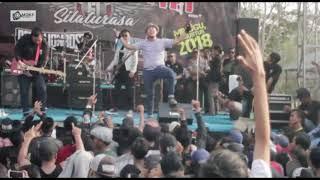 Rebellionrose bermalam Bintang On Stage GODOG IDENTITYSILATURASA5 Agustus 2018