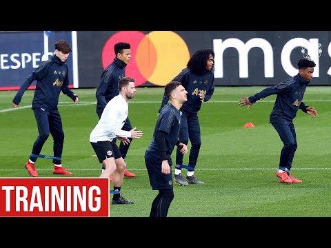 Manchester United train in Paris ahead of PSG clash   UEFA Champions League