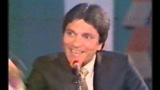 Yes Sir, No Sirیس سر نو سر   PTV classic show hosted by Moin Akhtar, Episode 9