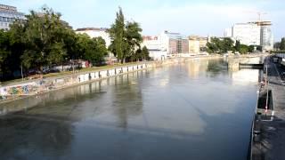 アキーラさん散策①オーストリア・ウイーン・ドナウ川Dnau-river,Viena,Autria